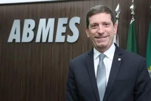 Diretor presidente da ABMES e vice presidente do Semerj, Celso Niskier fala sobre a Retomada das atividades presenciais