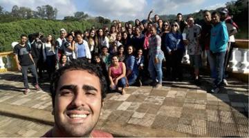 FALTA DE EMPREGO E SALÁRIO BAIXO LEVAM RECÉM-FORMADOS QUE USARAM FIES À INADIMPLÊNCIA